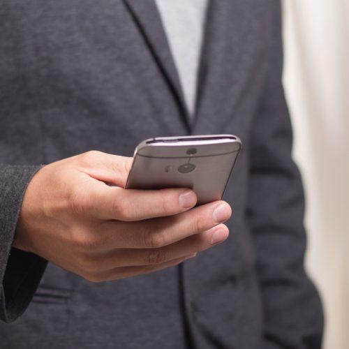 Aplikacje mobilne pomagają w walce z uzależnieniami