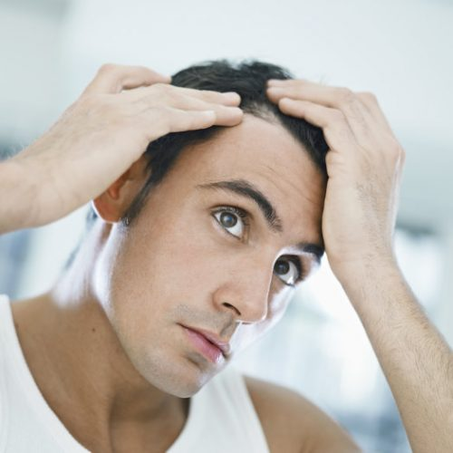 Umiejętnie stosowane olejki nie obciążają włosów. Szczególnie sprawdzają się przy włosach suchych i łamliwych
