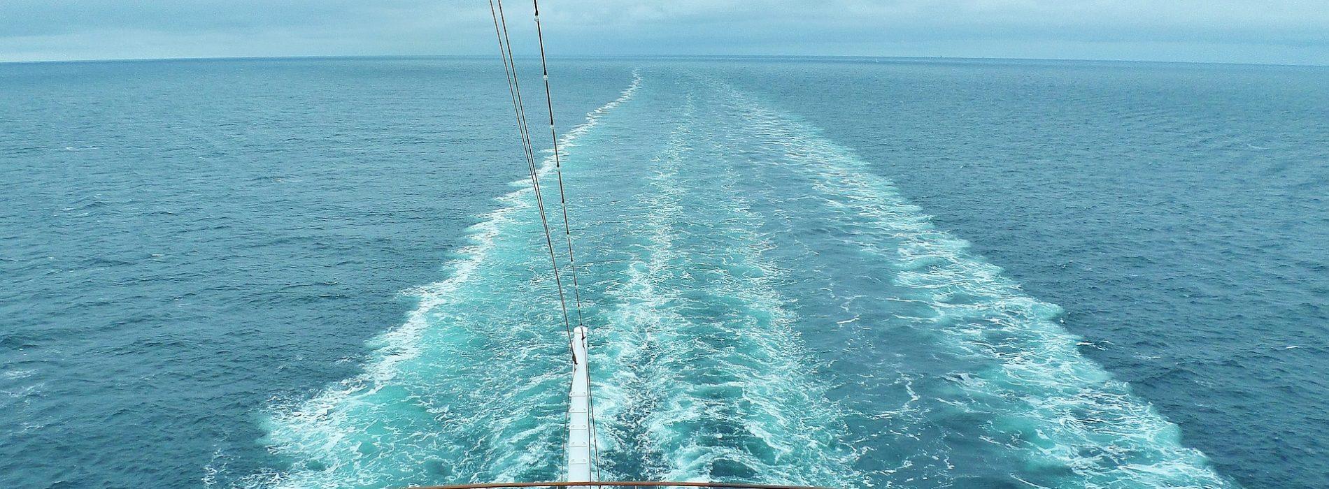 Rejsy turystyczne – niezapomniany weekend na morzu
